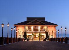 Tavares Pavilion on the Lake at Tavares FL // central florida wedding venues