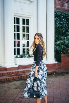 Gal meets glam anthropologie organza floral skirt and miu miu bag Skater Outfits, Modest Outfits, Skirt Outfits, Classy Outfits, Cute Outfits, Jw Fashion, Modest Fashion, Look Fashion, Fashion Outfits