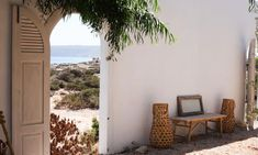 Toque mediterráneo en esta #casa de Formentera con unos espacios exteriores para alucinar.