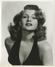 Key-book portraits of Rita Hayworth by Irving Lippman from Affair in Trinidad. Old Hollywood Glamour, Golden Age Of Hollywood, Vintage Hollywood, Hollywood Stars, Classic Hollywood, Hollywood Divas, Hollywood Cinema, Rita Hayworth, Vintage Stil