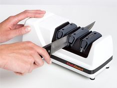 Are you having a headache with blunt knives? Check out our list with the best electric knife sharpener for you. Sharpen your knives easy at any time. Best Electric Knife Sharpener, Best Knife Sharpener, Swiss Army Pocket Knife, Best Pocket Knife, Unique Knives, Tactical Pocket Knife, Knife Stand, Engraved Pocket Knives