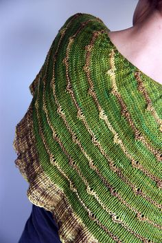 Ravelry: Strands of Pearls Shawlette and Cowl pattern by Rose Beck