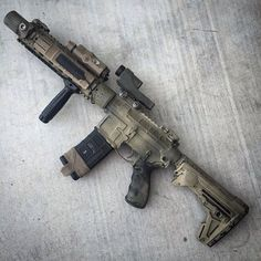 Airsoft hub is a social network that connects people with a passion for airsoft. Talk about the latest airsoft guns, tactical gear or simply share with others on this network Weapons Guns, Military Weapons, Airsoft Guns, Guns And Ammo, Glock Guns, Tactical Guns, Plate Carrier, Ar Rifle, Ar Pistol