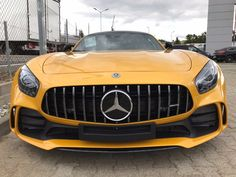 MERCEDES-BENZ AMG GT-R CLUBSPORT BUCKET SEATS CARBON    -- Export price: 217.770 €--  Stoсk №: B262    Fuel consumption (in town): 13.2 l/100 km | CO2 emissions: 308 g/km | Energy efficiency class: G | Fuel type: Benzin     #mersedes_benz #amg #gt-r #carbon #autoseredin #Luxurycars #Premiumcars Dubai Cars, Premium Cars, Mercedes Benz Amg, Bucket Seats, Energy Efficiency, Luxury Cars, Cars For Sale, Type, Fancy Cars