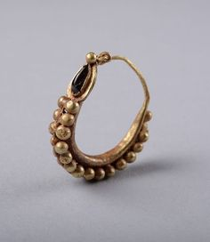 Earring-200-AD Ancient-Roman-Gold-amp-Garnet-Earring-200-AD