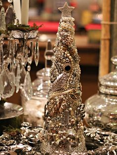 The Paris Market & Brocante: A Crafters Guide: Holiday Centerpiece