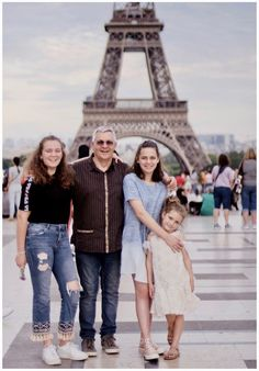 #Happy family Event Photography, Family Photography, Family Portraits, Family Photos, Photo Merge, Lasting Memories, Photo Look, Photomontage, First Photo