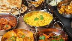 After all the Christmas and New Year festivities, I have to escape for a good curry! We all have a favourite curry but matching these exotic dishes. Wine Recipes, Indian Food Recipes, Vegetarian Recipes, Ethnic Recipes, Indian Foods, Recipes Dinner, Delicious Recipes, Dinner Ideas, Catering
