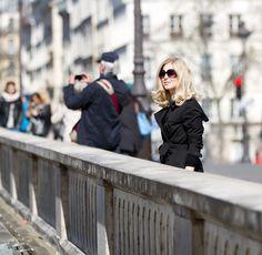 Springtime in Paris. Black trench coat, Burberry. In my ballerines blog
