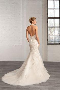 https://flic.kr/p/BfLmgT | Trouwjurken | Trouwjurken vintage, Moderne Trouwjurken, Korte trouwjurken, Avondjurken, Wedding Dress, Wedding Dresses | www.popo-shoes.nl