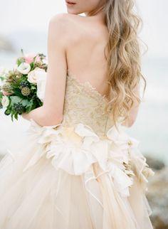 gorgeous dress and hair / Alea Lovely Photography