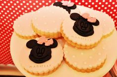 Vintage Minnie Mouse Party via Kara's Party Ideas | Kara'sPartyIdeas.com #Vintage #MickeyMouse #Party #Idea #Supplies (7)