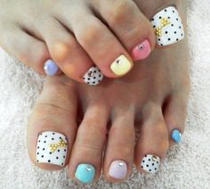 Cute pedi toenails nail art design..
