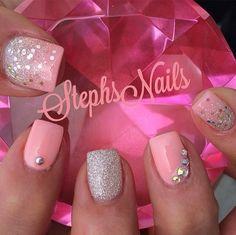 Super Nails Art Designs With Glitter Coral Ideas Silver Nails, Glitter Nails, Silver Glitter, Uñas Color Coral, Hair And Nails, My Nails, Feet Nail Design, Really Cute Nails, Striped Nails
