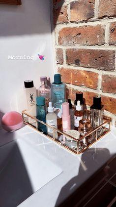 Beauty Make Up, Beauty Care, Beauty Skin, Care Organization, Bathroom Organisation, Makeup Needs, Aesthetic Room Decor, Tips Belleza, Aesthetic Makeup