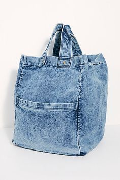 We The Free Oversized Washed Denim Tote diaper bags guide Denim Handbags, Denim Tote Bags, Denim Purse, Denim Skirt, Blue Jean Purses, Denim Ideas, Old Jeans, Recycled Denim, Casual Bags