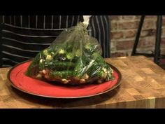 Ogórki małosolne na sucho z rana robisz wieczorem chrupiesz/ Oddaszfartucha - YouTube Polish Recipes, Polish Food, Pickles, Asparagus, Ramen, Grilling, Vegan, Vegetables, Cooking