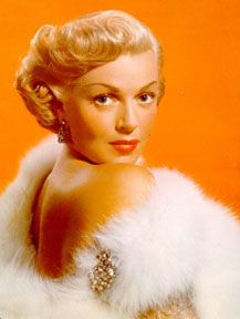 Our 7 Favourite Old Hollywood Divas: Lana Turner Hollywood Divas, Old Hollywood Movies, Old Hollywood Glamour, Golden Age Of Hollywood, Vintage Hollywood, Hollywood Stars, Hollywood Actresses, Classic Hollywood, Hollywood Jewelry