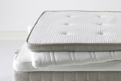 Shop for a pillow top mattress pad at IKEA. Choose from twin, queen and king-size mattress toppers to create a healthier and comfier sleep environment. Bed Mattress Ikea, Cheap Mattress, King Size Mattress, Pillow Top Mattress, Mattress Covers, Mattress Protector, Queen Mattress, Ikea Pillow, Latex Mattress