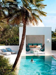 Having a pool sounds awesome especially if you are working with the best backyard pool landscaping ideas there is. How you design a proper backyard with a pool matters. Outdoor Rooms, Outdoor Living, Outdoor Retreat, Outdoor Lounge, Moderne Pools, Design Exterior, Exterior Siding, Modern Exterior, Interior Modern