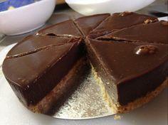 材料を混ぜたら冷やして完成!すごく簡単なので不器用さんでも大丈夫。そんな簡単に作れるケーキのレシピをご紹介します♪
