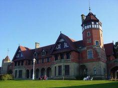 Palacio de Miramar, una casa de campo inglesa en San Sebastián La reina María Cristina encargó su palacio de verano al inglés Selden Wornum. Inaugurado en 1893, es de estilo puramente inglés www.turismoeuropeo.es