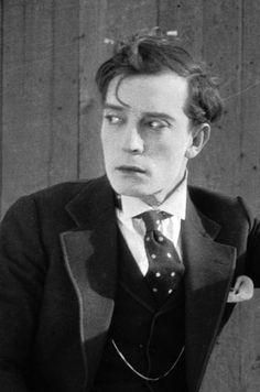 Buster-Keaton-1895-1966-hottest-actors-2 is it just me or does he look a little like chuck bass here?