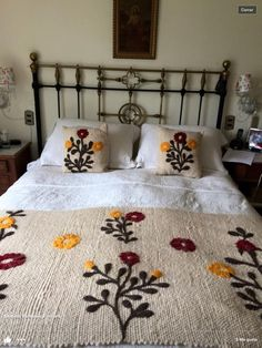 20 Color Embroidery Bed Wrap Cover and Pillow Models - Home Arragement Cushion Embroidery, Diy Embroidery, Creative Embroidery, Hand Embroidery Designs, Purple Bedroom Decor, Bed Wrap, Designer Bed Sheets, Bed Runner, Bed Covers