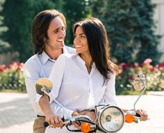 Happy couple flirting on scooter. Flirting Quotes For Her, Flirting Tips For Girls, Flirting Humor, Girl Sign, Free Dating Sites, Flirt Tips, Man Humor, Girl Quotes, Funny Texts