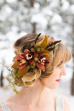 Winter wonderland bridal and floral inspiration | Photo by EB plus JC Photography | Read more -  http://www.100layercake.com/blog/?p=81523