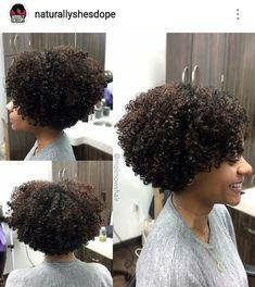 35 short curly haircuts cuts # short # … Source by susancgarza Natural Hair Bob, Tapered Natural Hair, Curly Hair Styles, Curly Hair Cuts, Cabelo 3c 4a, Overprocessed Hair, Short Curly Haircuts, Natural Styles, Natural Hair Inspiration