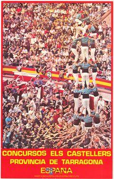 El #concurso de #castellers que se celebra cada año en la plaza de toros de #Tarragona en un #cartel de #turismo de España de 1973 / #Spain #travel #viajar
