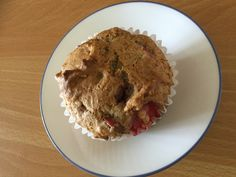 Muffins aux fraises et rhubarbe Sweet Sweet, Cup Cakes, Bbq, Deserts, Ice Cream, Food, Strawberries, Kitchens, Oat Muffins