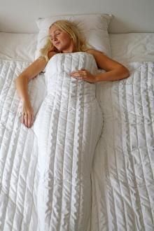 Can a heavy blanket cure insomnia?