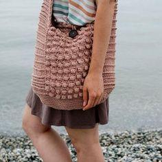 Vintage vibe beach bag crochet pattern by Kraftling