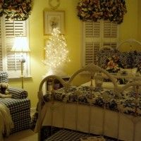 A Feather Tree for the Guest Room