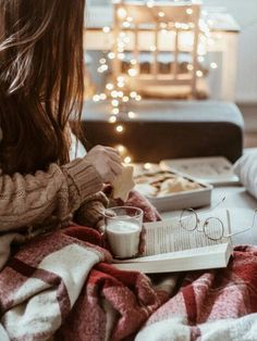 Perfection. Cookies and cocoa and books.
