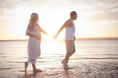 Google Image Result for http://www.melanieleighton.com/blog/wp-content/uploads/2012/01/pregnancy-maternity-photography-berwick-pakenham-lang-lang-3.jpg