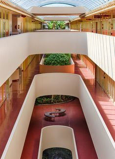 Frank Loyd Wright Houses, Frank Lloyd Wright Style, Architecture Mapping, Architecture Design, Public Architecture, Waterfall House, Building Foundation, Retro Interior Design, Exterior Design