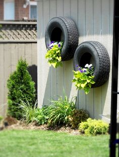 Backyard privacy fence landscaping ideas on a budget (18)