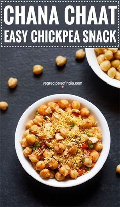 tangy and tasty snack made with cooked chickpeas spices on chana chaat recipe. tangy and tasty snack made with cooked chickpeas spices onions tomatoes and lemon juice. healthy and nutritious. Source by vegrecipesofindia Vegetarian Curry, Vegetarian Snacks, Veg Recipes Of India, Indian Food Recipes, Vegetable Dishes, Vegetable Recipes, Veggie Food, Papri Chaat Recipe, Healthy Indian Snacks