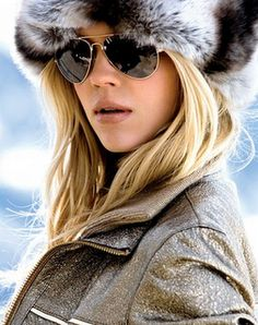 fur hat for this winter. Bra Cup Sizes, Ski Fashion, Soft Summer, How To Pose, In Hollywood, Autumn Winter Fashion, Winter Chic, Sunglasses Women, Sunglasses Online