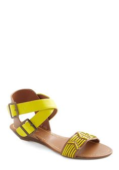 Great yellow sandal that looks better than those with ankle straps.