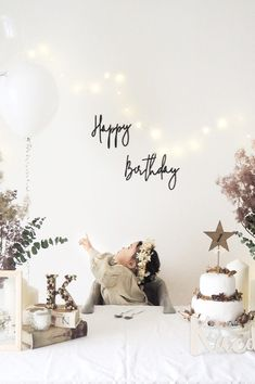 Delivering albums in Full understanding of trends for kids parties Happy Birthday Big Sister, Simple First Birthday, Baby Girl First Birthday, Happy Birthday 1 Year, Half Birthday, Girl Birthday Themes, 1st Birthday Parties, Birthday Images, Birthday Quotes