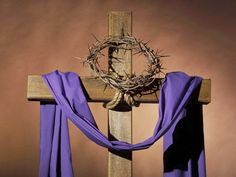 What is the significance of the crown of thorns and purple robe Jesus wore at his crucifixion? Easter Altar Decorations, Lent Decorations For Church, Decoration Table, Catholic Lent, Resurrection Day, Church Stage Design, Church Interior, Church Flowers, Crown Of Thorns