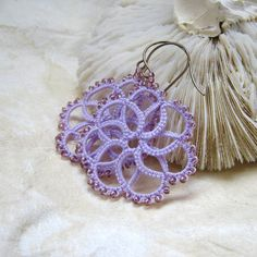 Lilac Tatted earrings with seed beads ♥ by eannie on Etsy, €12.00