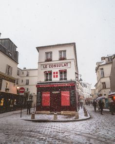 Snow in Paris: Magical Photos of Paris in the Winter & FAQ