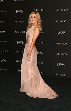 Kate Hudson Photos - Actress Kate Hudson attends the 2014 LACMA Art + Film Gala honoring Barbara Kruger and Quentin Tarantino presented by Gucci at LACMA on November 2014 in Los Angeles, California. - Arrivals at the LACMA Art + Film Gala — Part 3 Kate Hudson, Glamour, Evening Dresses, Formal Dresses, Wedding Dresses, Art Fil, Gucci Gown, Red Carpet Looks, Black Carpet