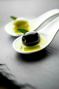  Cookery  // Food // // Green and Black Olives Food Photography Styling, Food Styling, Olives, In Vino Veritas, Food Art, Great Recipes, Good Food, Food And Drink, Snacks