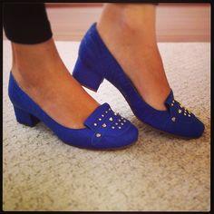 Muito conforto e moda pro seu dia a dia! Azul Klein, uma das apostas do #outonoinverno2013 #koquini #sapatilhas #euquero #saltinho